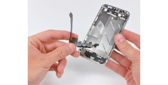 Apple iPhone 4 - výměna napájecího konektoru